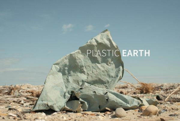 plastic earth - documentario plastica - clouds industry + wwf